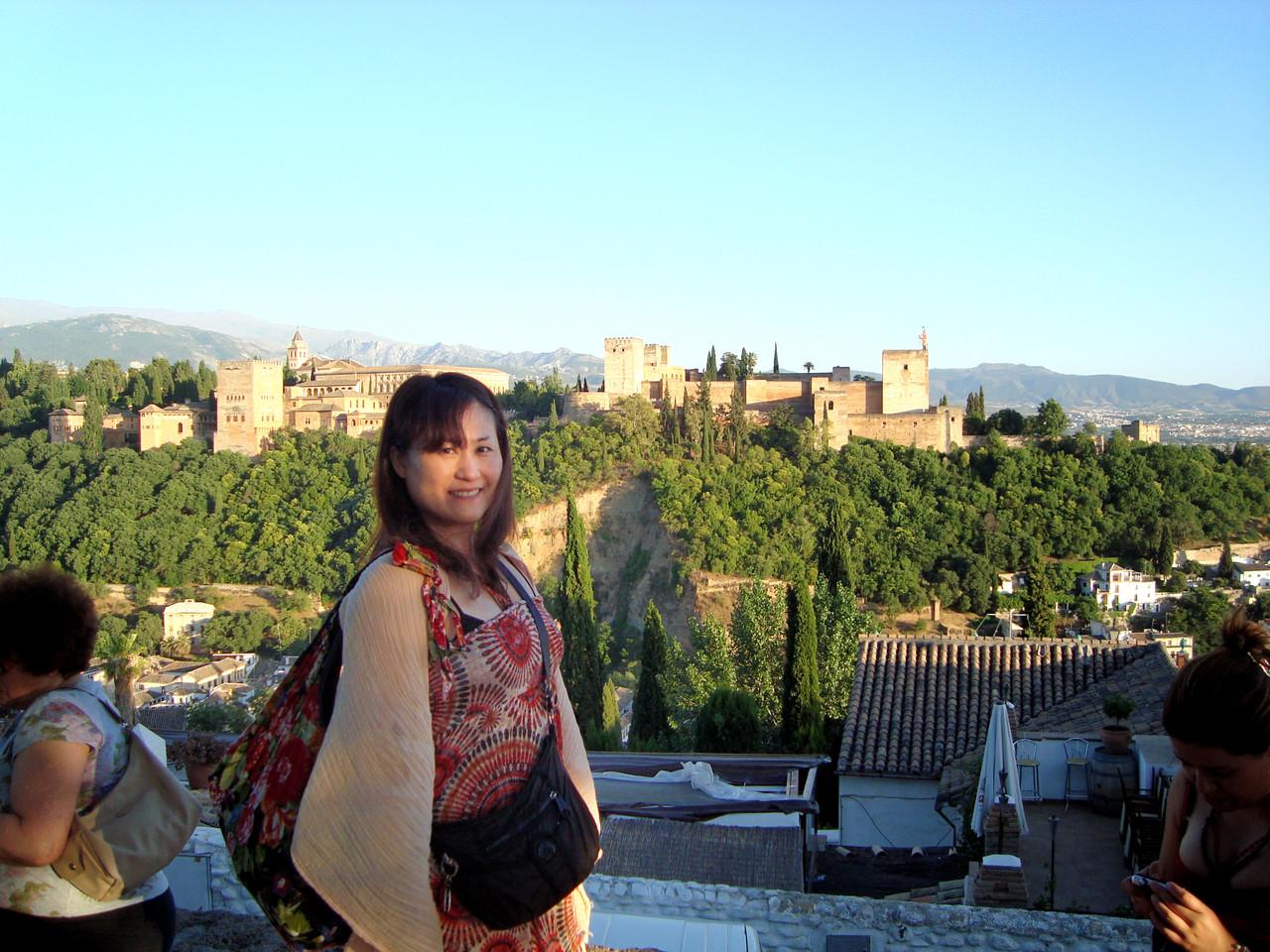 広い大きな宮殿です。朝から回りました。