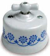 interruttore #deviatore #invertitore #ceramica #decoro #blu #bianca #vintage #classico