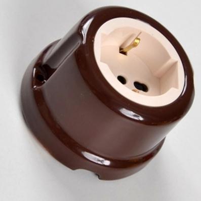 Presa universale #porcellana #marrone #colorata #FAI #Prise universelle en céramique #Universelle Keramikbuchse #Universal ceramic socket
