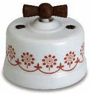 interruttore #deviatore #invertitore #ceramica #decoro #marrone #bianca #vintage #legno invecchiato #manopola
