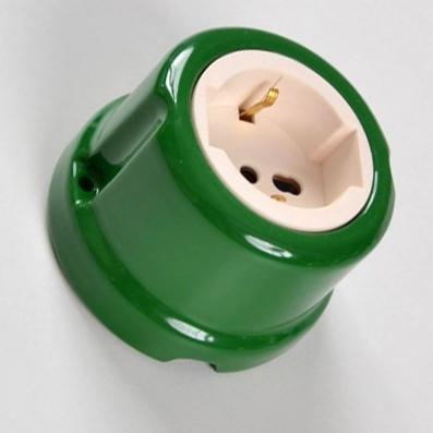 Presa universale #porcellana #verde #colorata #FAI #Prise universelle en céramique #Universelle Keramikbuchse #Universal ceramic socket