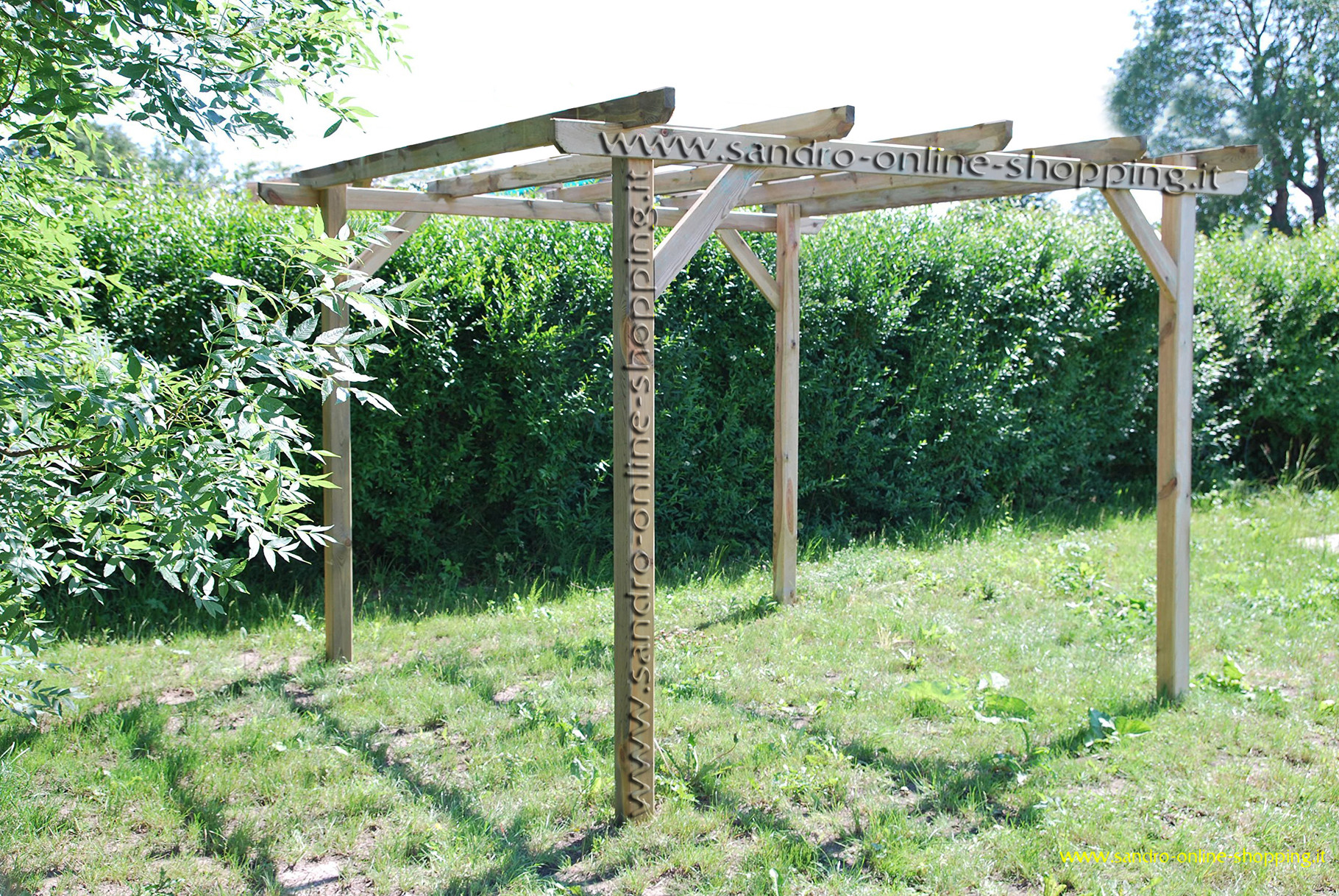 Gazebo pergola in legno trattato benvenuti su sandro shop for Gazebo legno arredamento