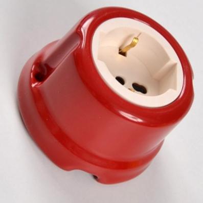 Presa universale #porcellana #rosso #colorata #FAI #Prise universelle en céramique #Universelle Keramikbuchse #Universal ceramic socket