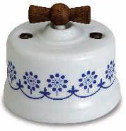 interruttore #deviatore #invertitore #ceramica #decoro #blu #bianca #vintage #legno invecchiato #manopola