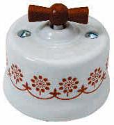 interruttore #deviatore #invertitore #ceramica #decoro #marrone #bianca #vintage #legno miele #manopola