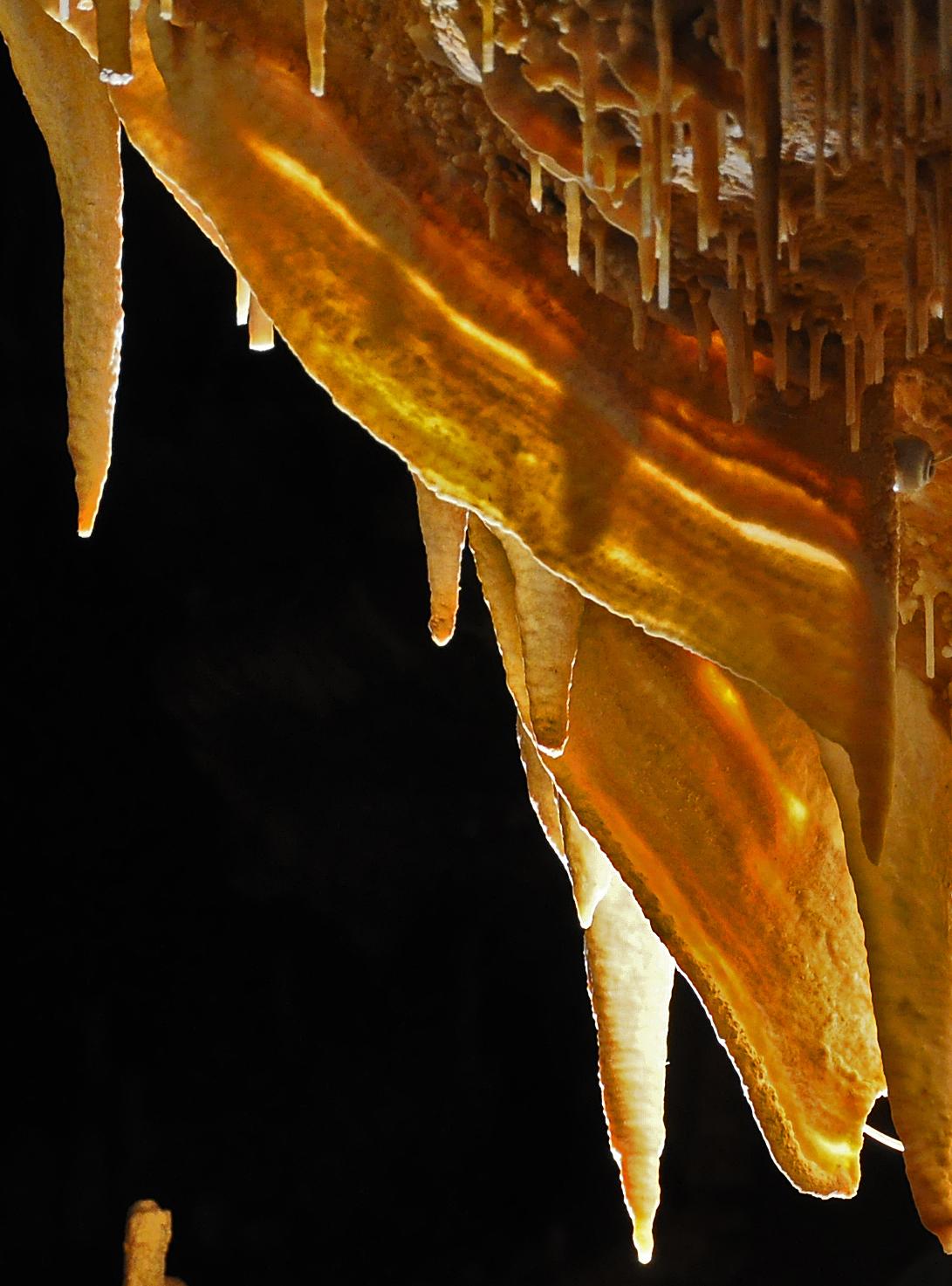 Draperies - Grottes de Cougnac - Pays de Gourdon