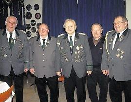 Die geehrten Mitglieder des Schützenvereins Cadenberge. Foto: red