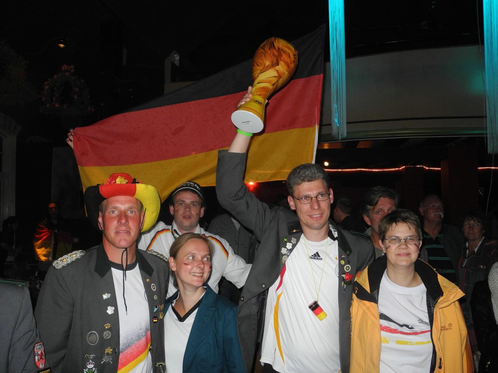 Geschafft …!!! Deutschland hat gegen Argentinien mit 1:0 gewonnen!