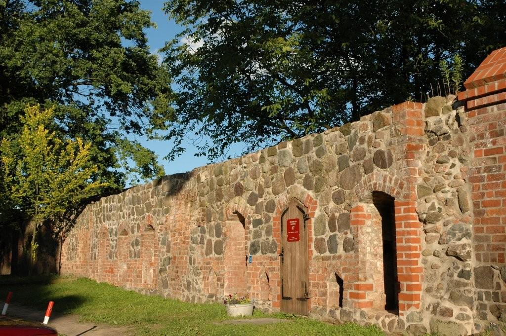 Erhaltene Mauer am Kloster