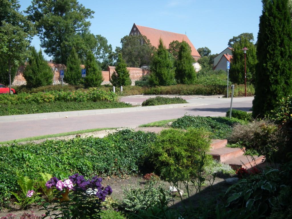 Blick auf die Mauer und dem Franziskaner Kloster
