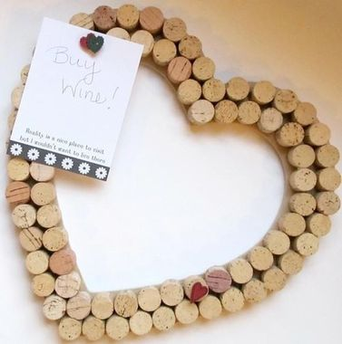 DIY-decoration-home-made-objects-with-corks-Loire-Wine-Tours-Myriam-Fouasse-Robert