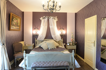 hotel-Loire-Valley-near-Amboise-Vouvray-vineyard-family-owned-business-auberge-de-la-brenne-housing
