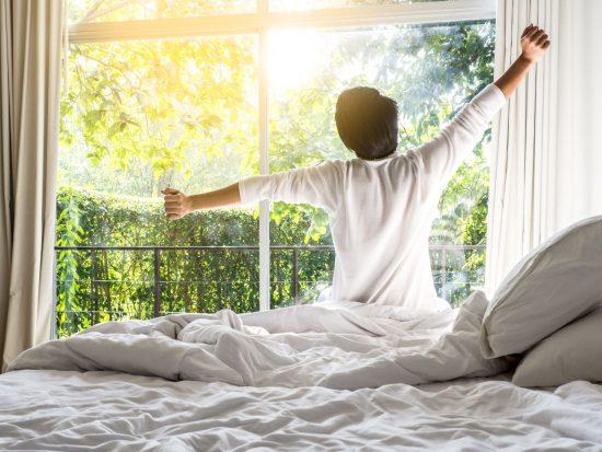 良い睡眠のために日中に陽の光を浴びること