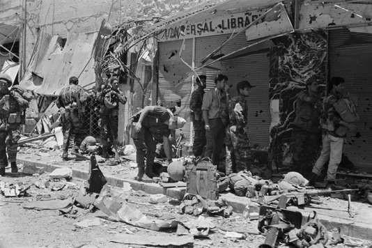 Des soldats israéliens dans une rue de Jérusalem, au cours de la guerre des Six-Jours, le 8 Juin 1967. PIERRE GUILLAUD / AFP