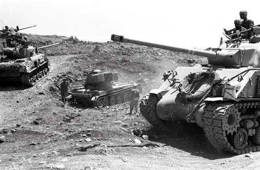 Tanks israéliens le 10 juin 1967, pendant la guerre des Six-Jours. GERSHON YUVAL / AFP