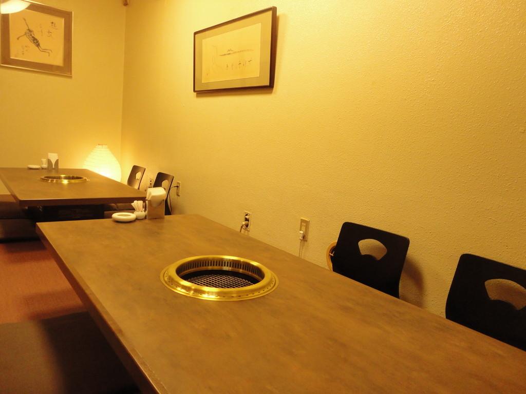 1階 落ち着いた色合いの和室空間 2席完備