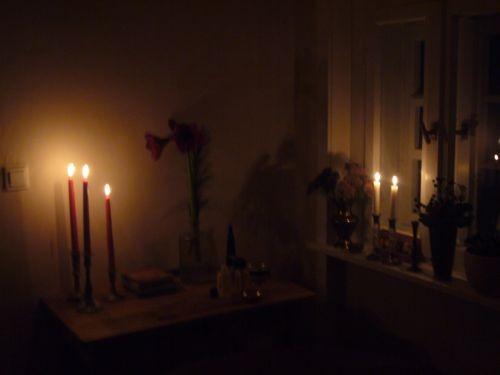 Massageraum bei Kerzenlicht