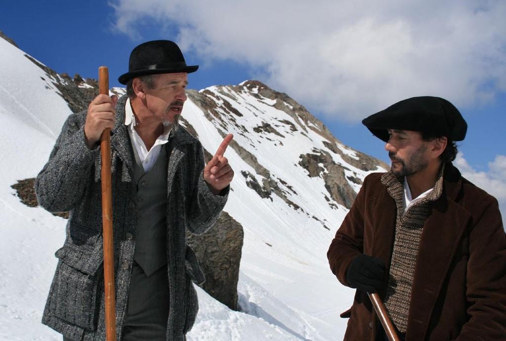 Russell et Haurine devant la Pique-Longue