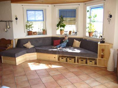 Anwendungsbeispiel Polsterung einer Sitzecke im Wohnzimmer