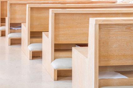 Anwendungsbeispiel Polsterung Kirchenbänke
