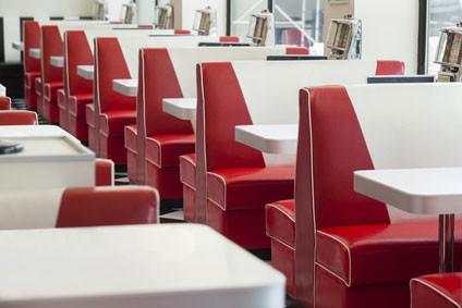 Anwendungsbeispiel Polsterung der Sitzbanken im Restaurant (American Diner)
