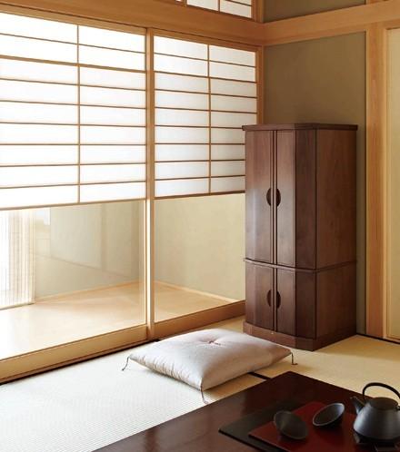 ウォールナットの現代仏壇オシャレに和室設置