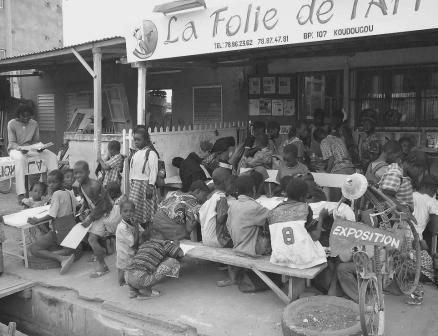 L'ATELIER DE PEINTURE D'ANOL CREE EN 2003 AU BURKINA FASO