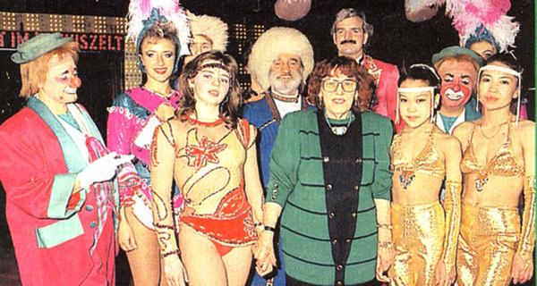 Elfi Althoff-Jacobi mit ihren Artisten - 1990