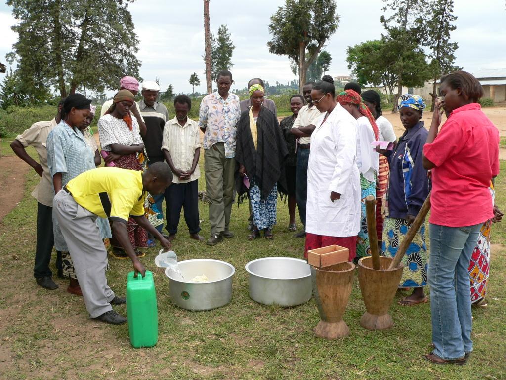 Demonstration der Sojamilchherstellung