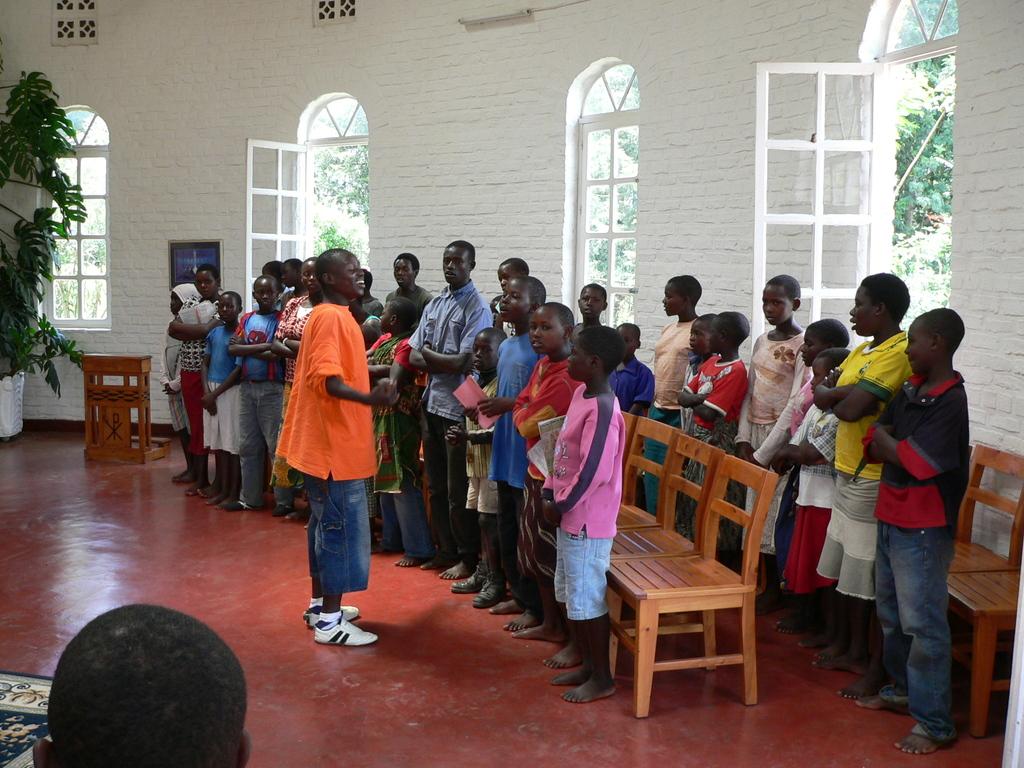 Abendandacht mit den Kindern in der Kapelle