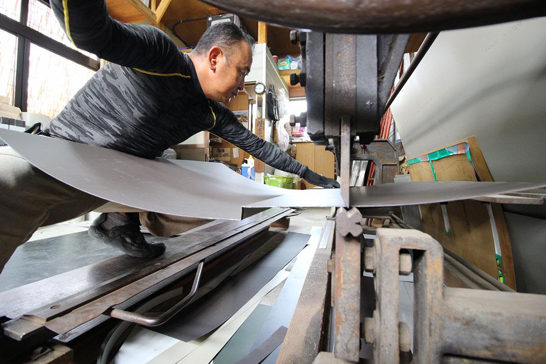 屋根板金の加工|雨漏り修理工事【さいたま市北区日進町】