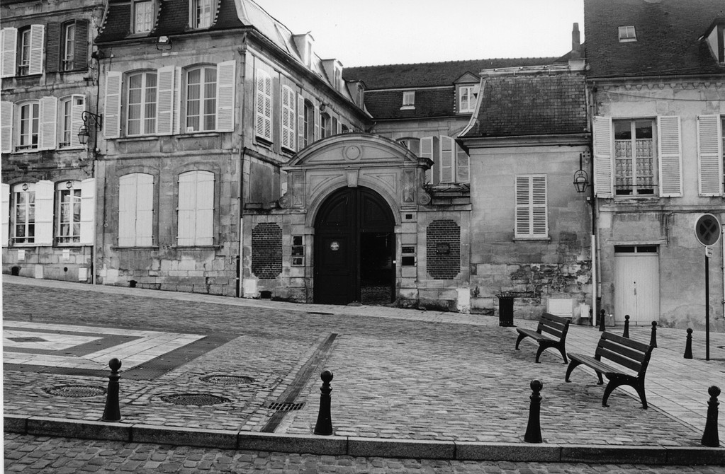 La maison Breuil place de l'Hôtel de Ville à Clermont