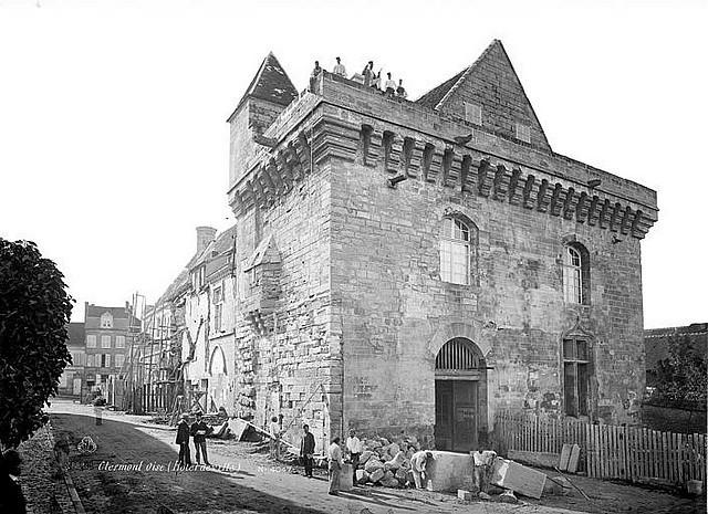 Bastion de l'Hôtel de Ville en restauration