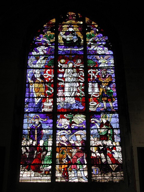Vitrail de la Vierge (16e siècle)