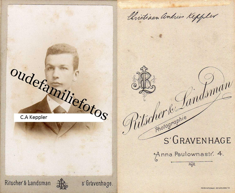Keppler, Cristiaan Andries. geb. 17-7-1879 A'dam ovl. 2-7-1899 Soerakarta. Moeder M.C. Lugt € 2,00