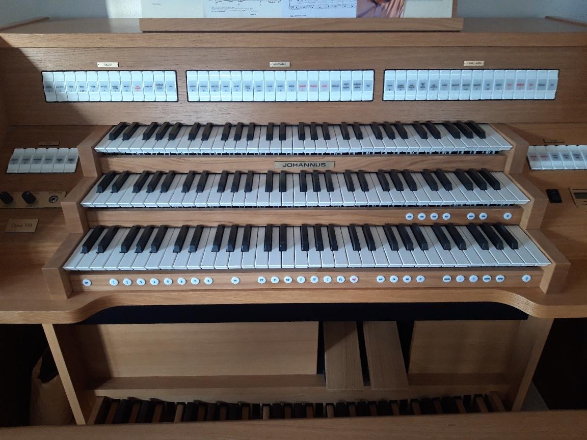 Neuwertige Gebrauchtorgel: Johannus Opus 350
