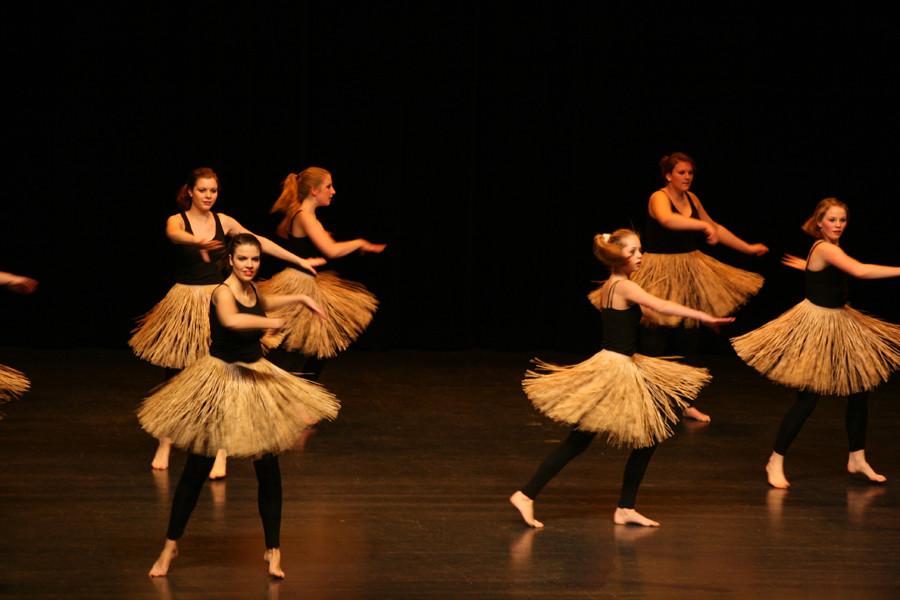 """Gala 2010! Jazz Dance mit Afroeinlagen zu """"Black Eyed Peas""""."""