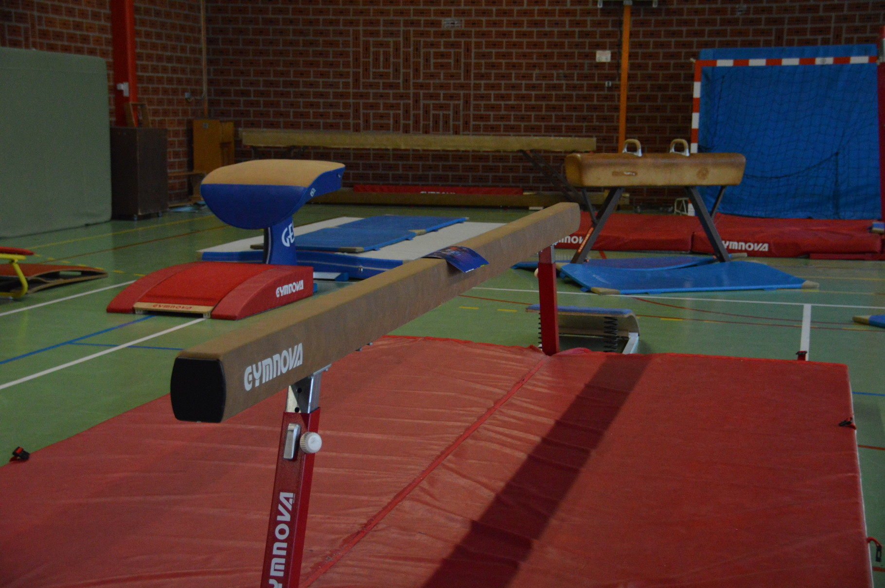 Gymnastique artistique etoile gymnique lambresienne - Table de saut gymnova ...