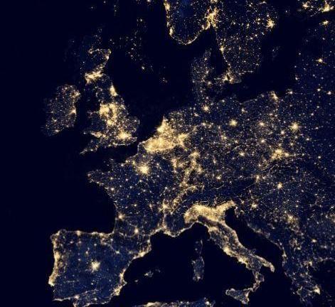 Satellitenbild Erde bei Nacht