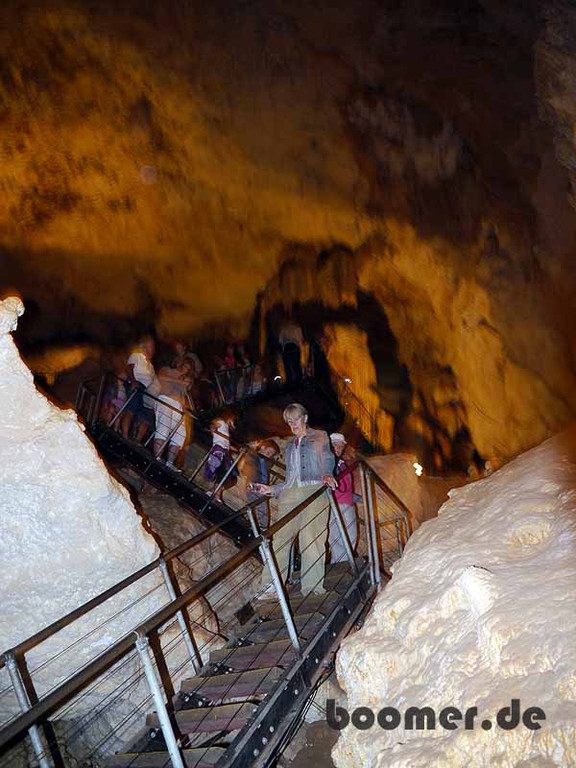 Steiler Abstieg in die Jewel Cave