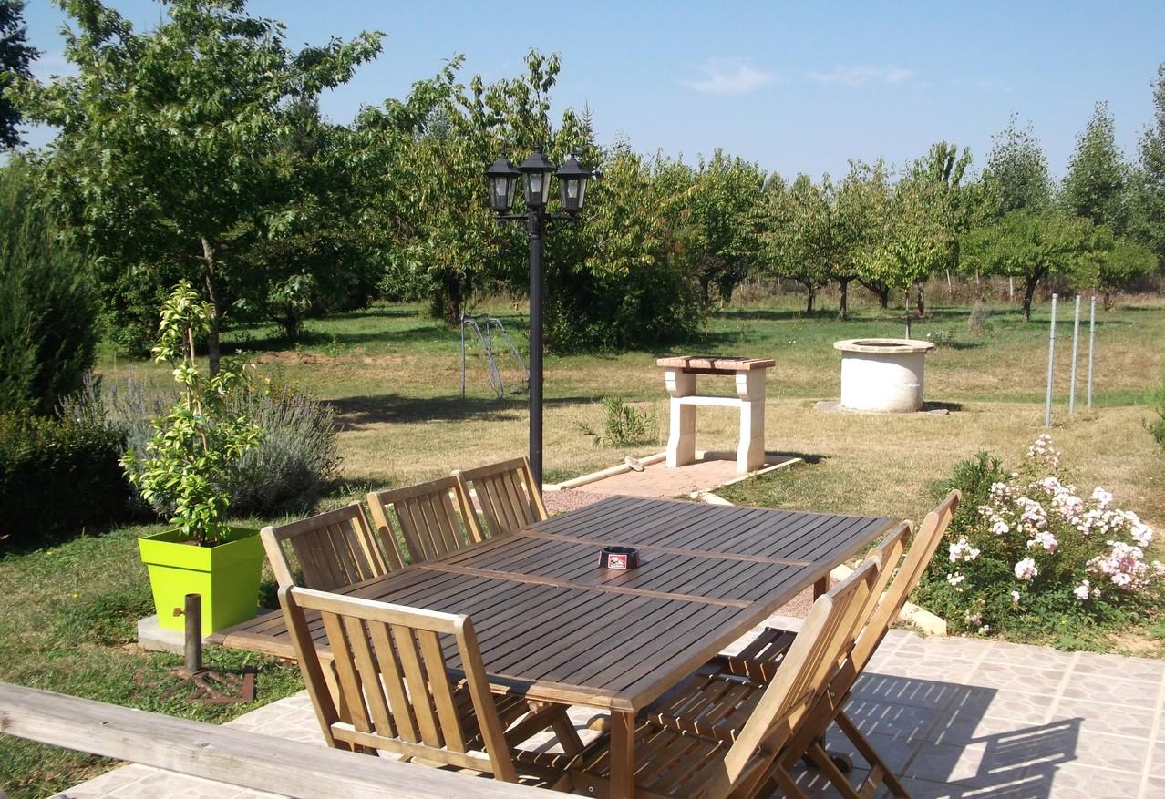 Gîte avec terrasse et barbecue
