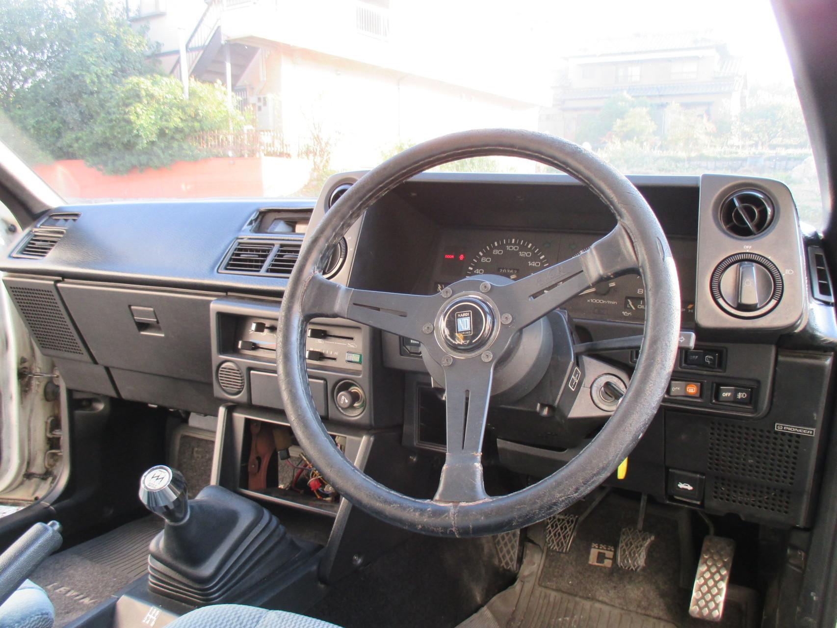 AE86中古車レビン