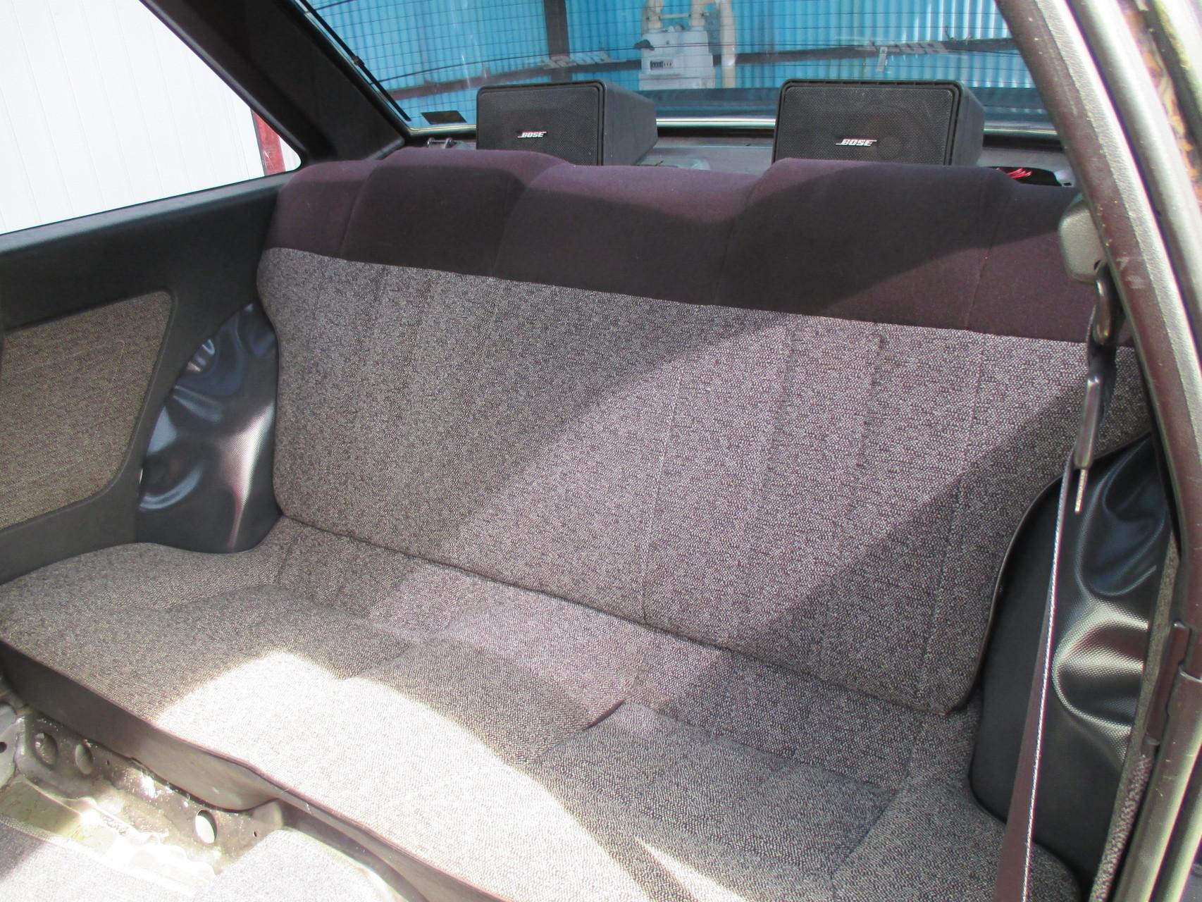 AE86中古車 リヤシート