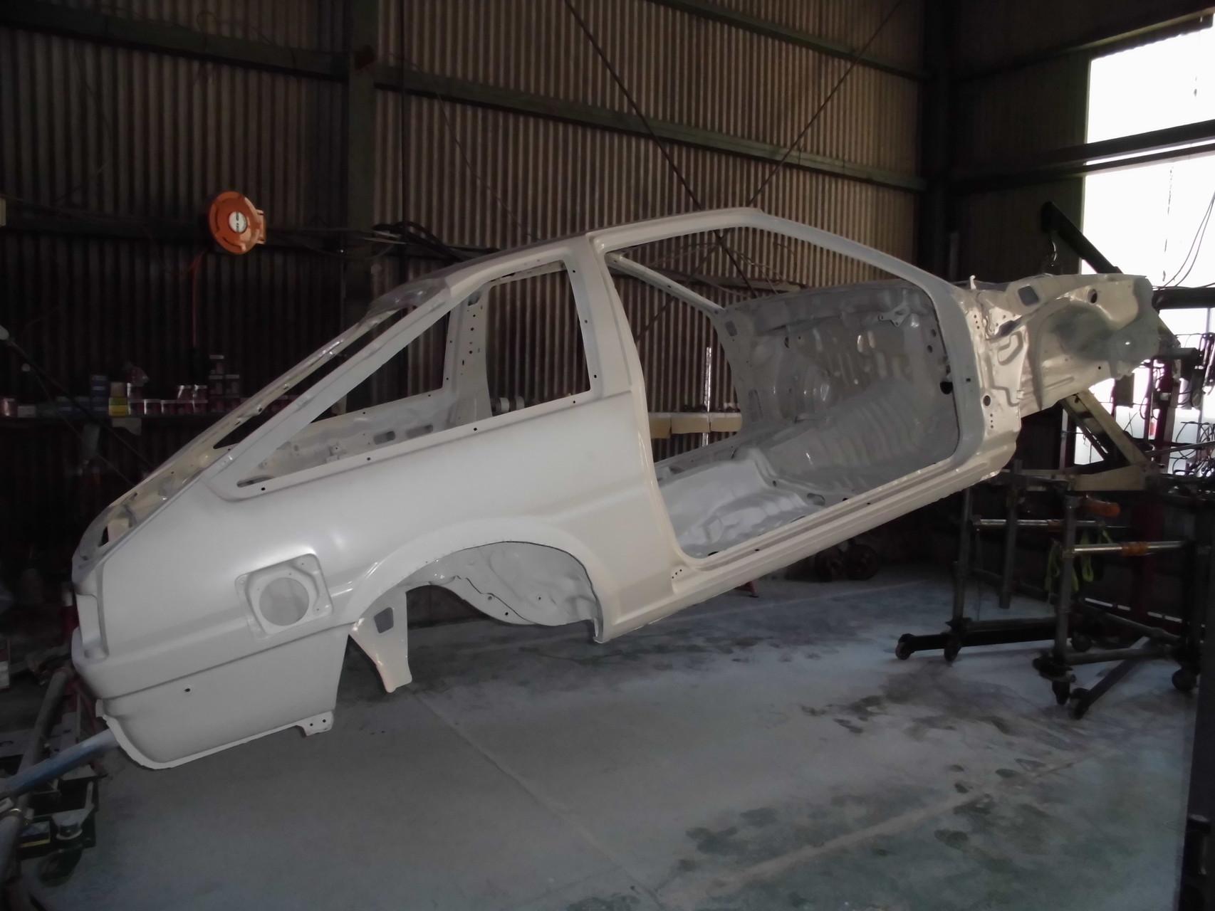 AE86ホワイトボディ