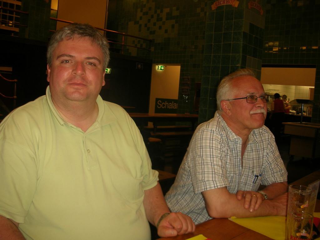 Martin Uebelhart (Neue NZ) und Josias Clavadetscher (Bote der Urschweiz).