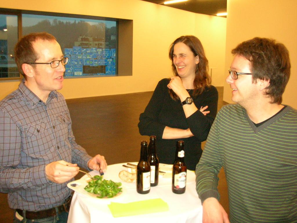 Von links: Urs Schlatter, ZVM-Sekretärin Monika Hame und Revisor Fabian Fellmann.