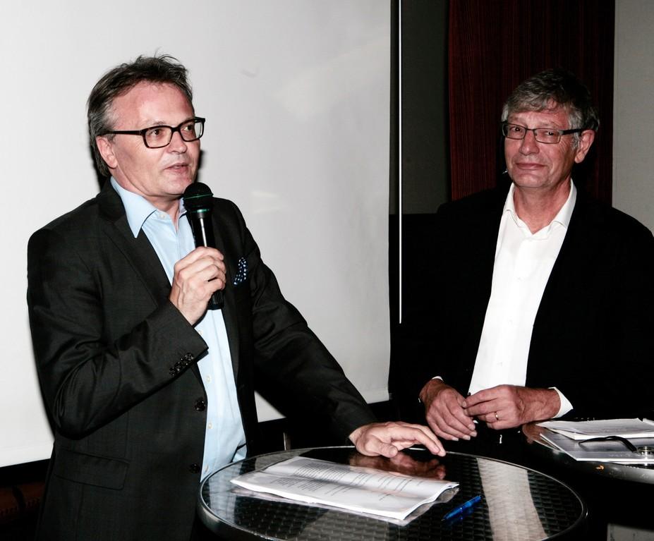 Stefan Roth (links), der neue Luzerner Stadtpräsident, befragt von Rolf Probala.