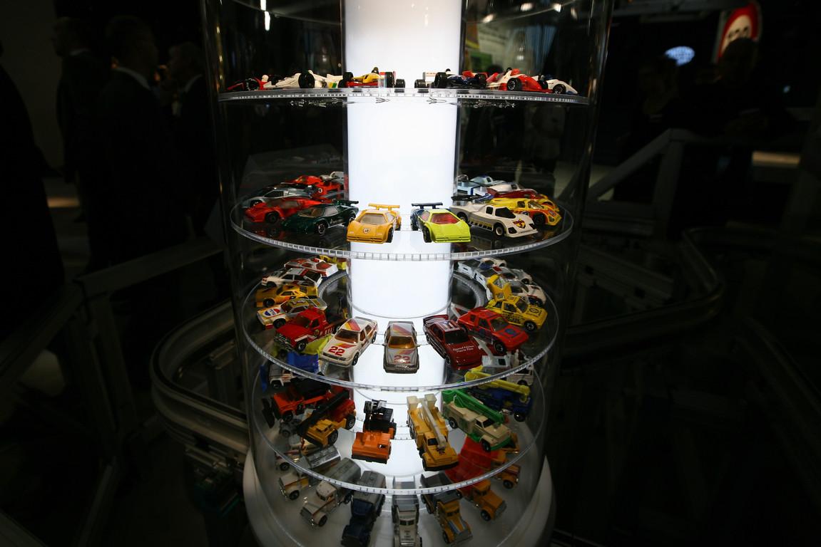 Der Matchbox-Lift: In 40 Vitrinen sind 100 Automodelle der Marke Matchbox zu sehen.