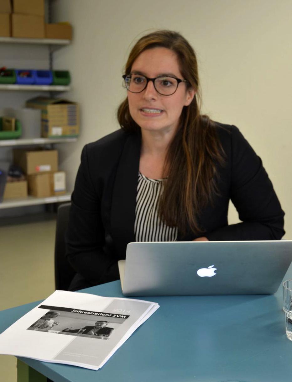 Janine Teissl von impressum liefert aktuelle Infos aus dem Zentralsekretariat in Fribourg.