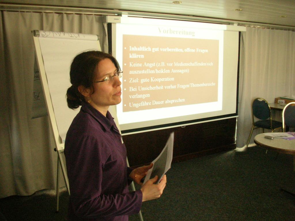 Auf was muss man bei einer Pressemitteilung achten? Karin Winistörfer erklärte es.